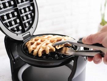 BELLA Classic Waffle Maker Review
