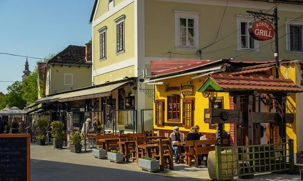 Top Street Foods In Zagreb - Ožujsko Pub Tkalča